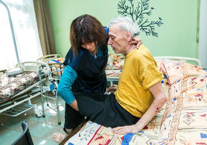 уход за пенсионерами в Апрелевке