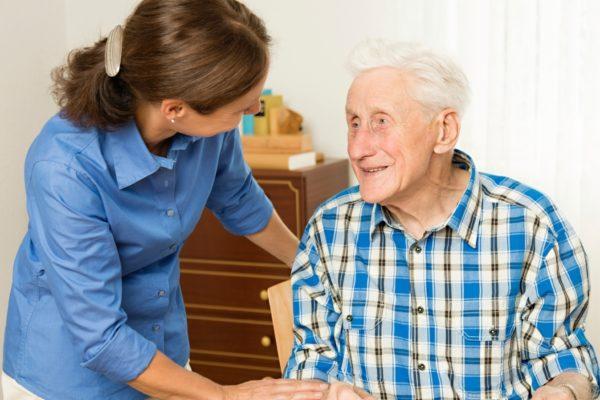 Зачем нужен патронаж для пожилого человека?