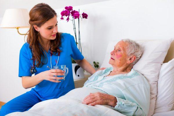 Что нельзя делать при ухаживании за больным Альцгеймером?