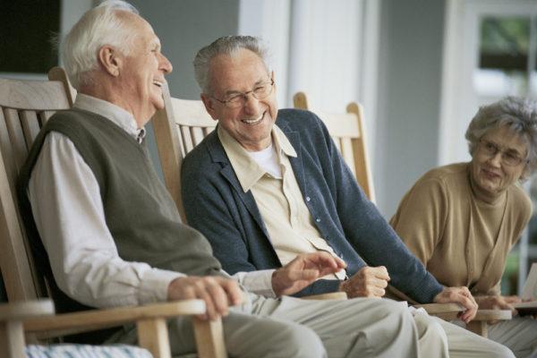 Общение со сверстниками – важнейший аспект жизни пожилого человека