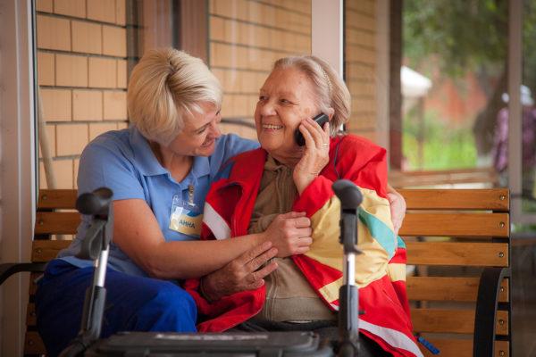 Как ухаживать за пожилыми людьми. Советы специалистов пансионата «Столетник»